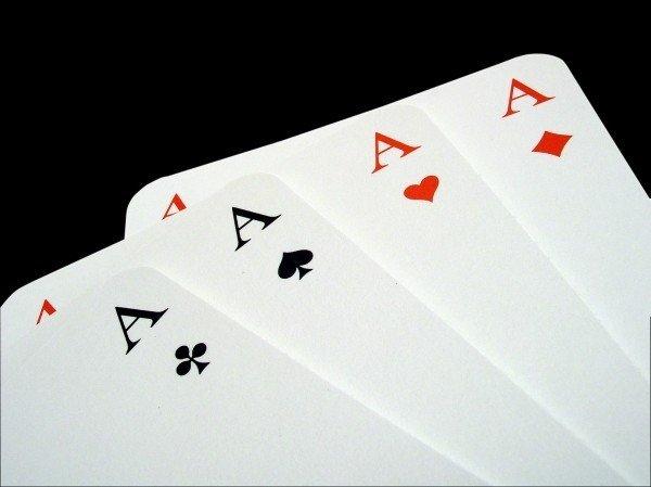 ポーカーのトランプの画像